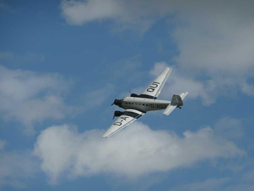 flying-legend-2